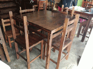 Juego de comedor muebles villa comedores posot class for Fabricantes sillas peru