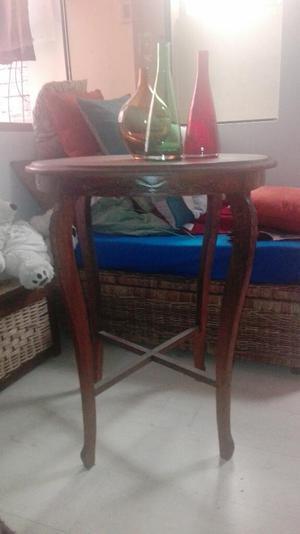Mesa Y Velador Tallados