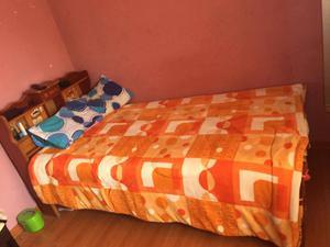 Cama 1.5 plaza cama y colchon cisne usado en buen estado