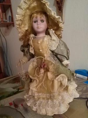 Remato Dos Hermosas Muñecas De Porcelana Muy Decorativas