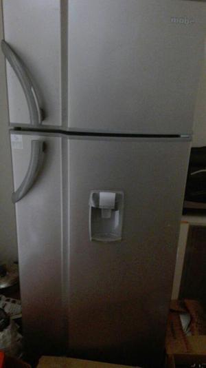 Vendo cocina y refrigeradora MABE