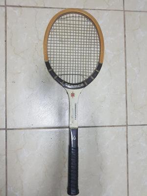Vendo Raqueta de Tenis de Estados Unidos