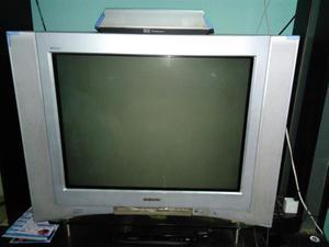 Se vende televisor sony wega 29 pulgadas con wofer cinema