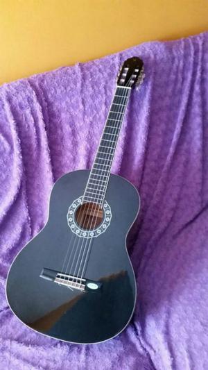 Vendo Mi Guitarra por Falta de Uso