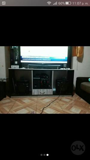Centro de entretenimiento o mesa para tv posot class for Mesa para tv 55 pulgadas