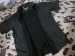 Vendo Camisa Negra