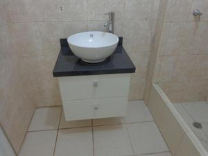 Muebles de baño con tablero de granito