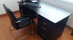 Escritorio con silla infantil melamine posot class for Escritorio y silla de oficina