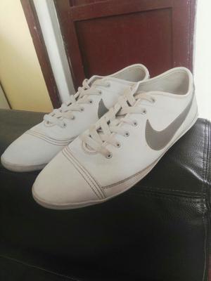Zapatillas Nike 8/10