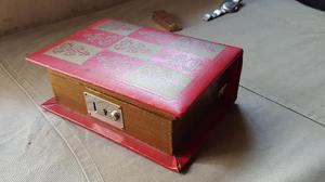Antigua Caja Musical Forma De Libro Made In Japan