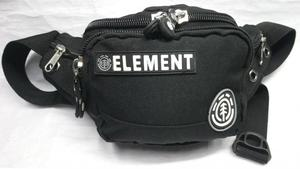 Canguro Element. Parches en letras y simbolos de la marca.