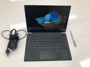 Microsoft Surface Pro 4. 8GB/ 256. i5. Bundle