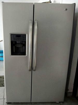 Refrigerador Congelador General Electric de 2 puertas
