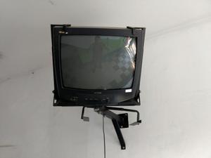 Remato Televisor Samsung 21' con Rack