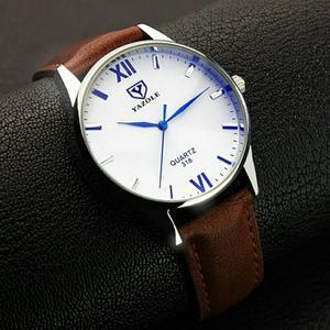 Reloj Yazole Cuero