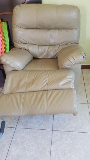 Remato sofa reclinable cpo mecta posot class for Sillon cama falabella