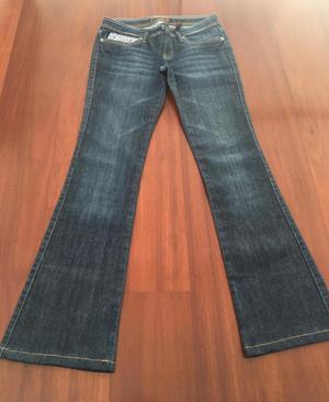 Pantalón jean usado GUESS auténtico talla 27 como 28 en