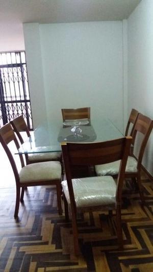 Juego de comedor mesa de madera y vidrio posot class for Juego de comedor de vidrio y madera