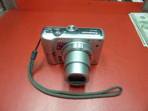 CAMARA DIGITAL PANASONIC MODELO L26 6X DE ZOOM, EXCELENTE