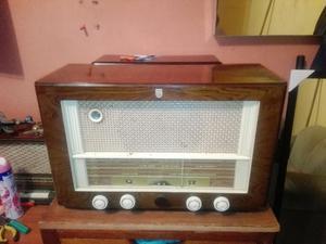 Antigua Radio Philips a Tubos
