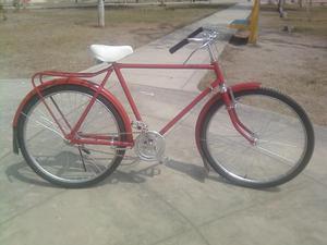 bicicleta antigua color rroja