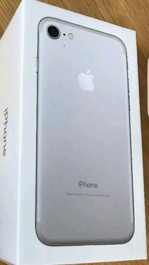 Vendo Iphone 7 32 gb Silver Nuevo Sellado En caja