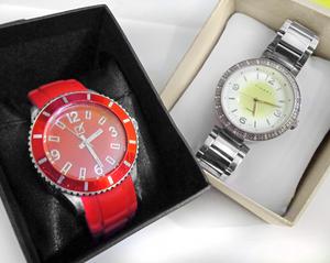 Reloj 2 x 1 OFERTA hombre y mujer Unique y Finart USADO