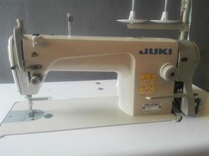 Maquina Recta Industrial marca JUKI