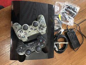 PS3 de 500GB con 2 JUEGOS y 2 mados