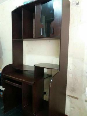 Mueble de escritorio de vidrio posot class for Mueble para escritorio