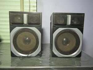Parlantes De 20 Watts C/u Buen Sonido Remato Ocasión