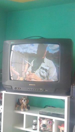 SE REMATA UN TELEVISOR SAMSUNG A COLORES DE 22 PULGADAS