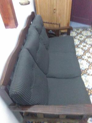 se vende sillón de 3 puestos en buen estado, hecho en