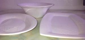 Set fuentes porcelana con diseño a relieve de CasaIdeas