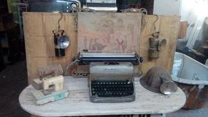 Antigua Maquina De Escribir Remingtom De Metal Pesada