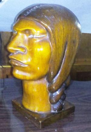 Cabeza de indio tallada en madera