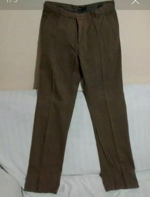 Remato pantalón marca Lois, T/36, con ligero detalle