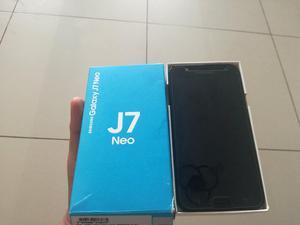 Samsung J7 Nuevo caja y accesorios