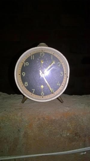 Antiguo Reloj Despertador Aleman Matheus Famos