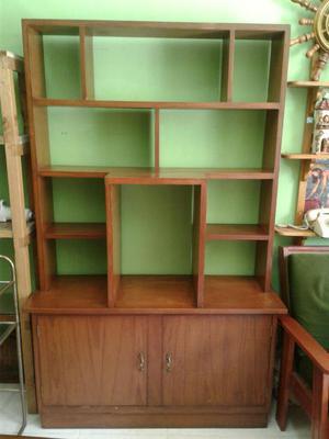Librero en Madera Tornillo