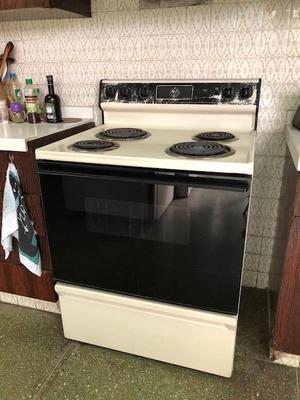 Cocina electrica 4 hornillas con horno posot class for Cocina 02 hornillas