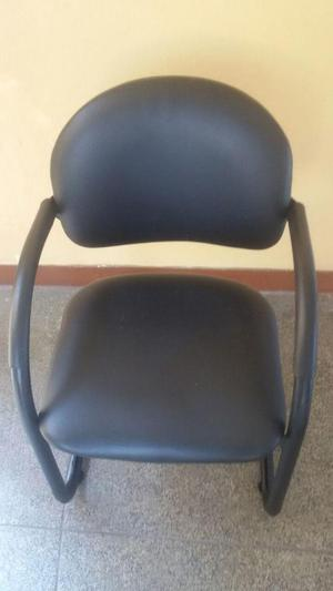 silla de espera estructura de fierro material cuero