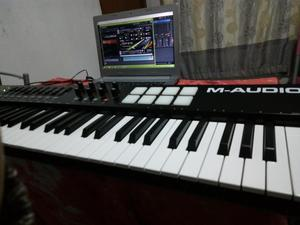 TECLADO CONTROLADOR en caja MIDI M AUDIO 61 teclas NUEVO