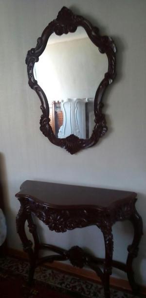 Consola Tallada de Madera Cedro. Buen Estado.