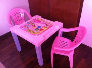 Hermosa mesa desarmable para Niña