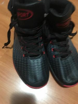 Zapatillas de Basquet Talla 42 Nuevas