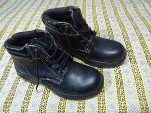 Zapatos De Seguridad Negro. Punta De Acero Nuevos Talla 41.