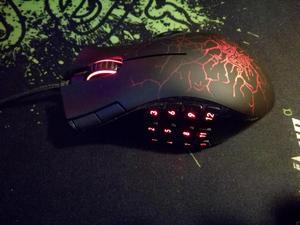 Mouse Razer Naga Molten Special Edition Mouse Pad Razer