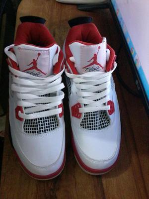 Zapatillas Nike Air Jordan Retro 4 Nuevas