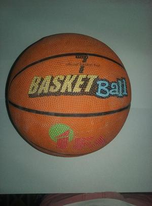 Vendo pelota de basket ball en buen estado